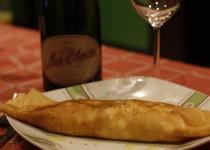 Crepe de queso philadelphia, salmón y atún